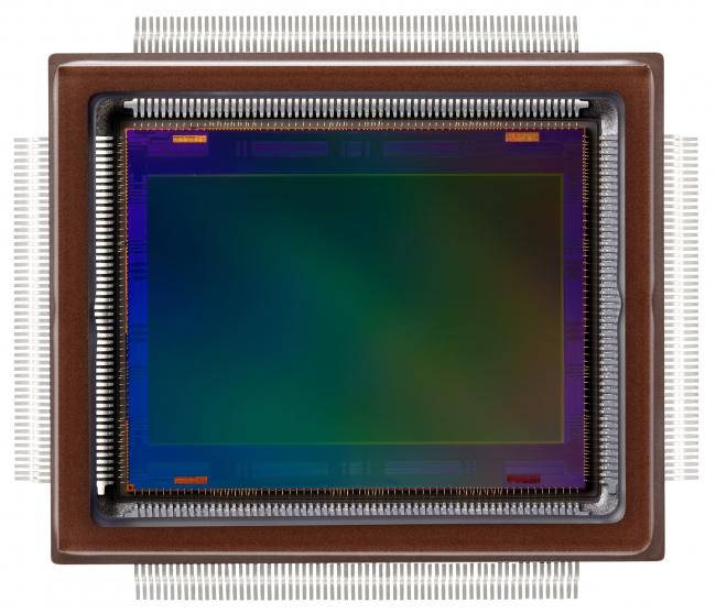 図1●キヤノンが開発した2.5億画素のCMOSイメージセンサー(出典:キヤノン ニュースリリース)